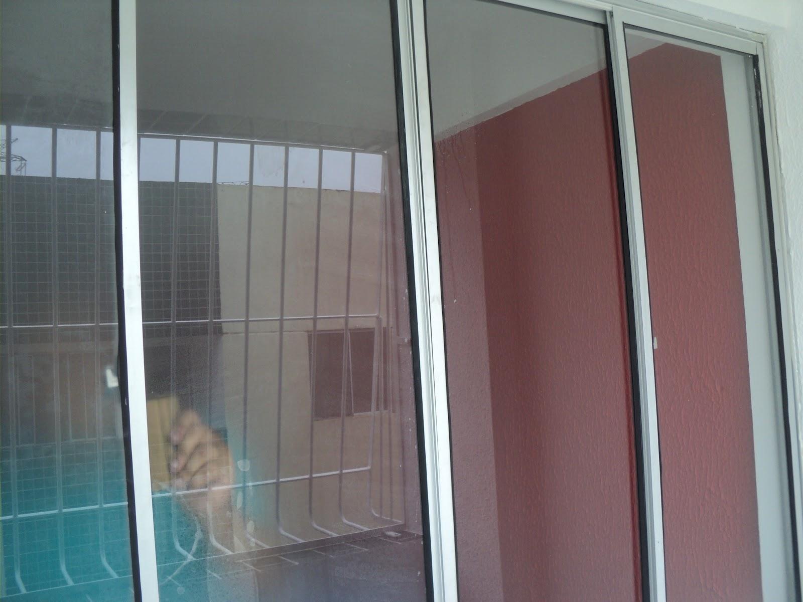 #436970 adesivo jateado em janela (efeito de vidro fosco) em Camaragibe 732 Janelas Vidro Fosco