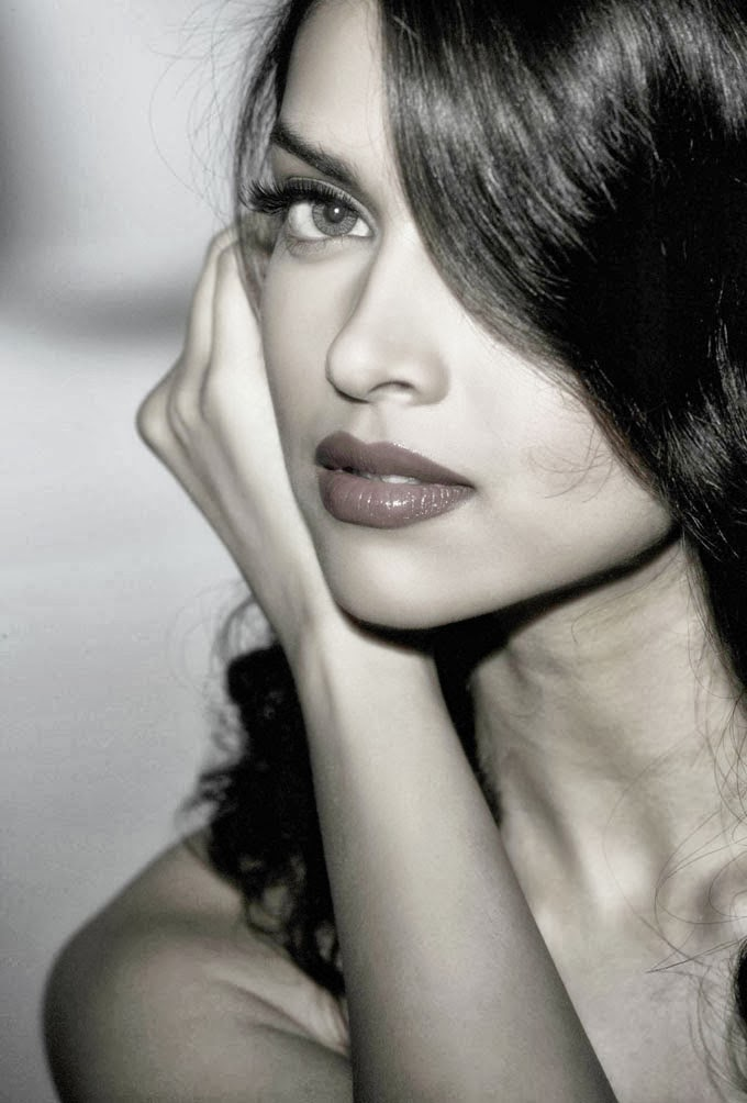 Deepika+Padukone+Profile+%2526+Latest+Hot+And+Beautiful+Images012