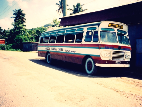 素敵なローカルバスが休んでました