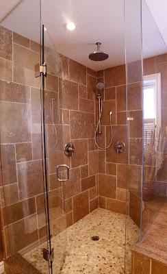 desain kamar mandi dengan shower,kamar mandi minimalis,kamar mandi menggunakan shower,desain shower kamar mandi,kamar mandi mungil dengan shower