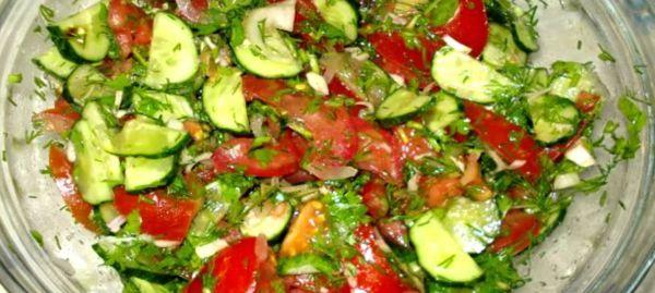 Рецепт салата с огурцами и помидорами