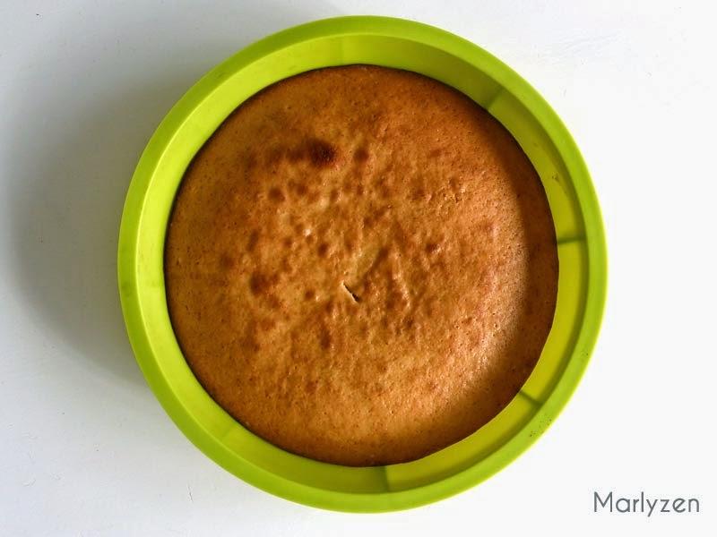Gâteau au yaourt après cuisson.