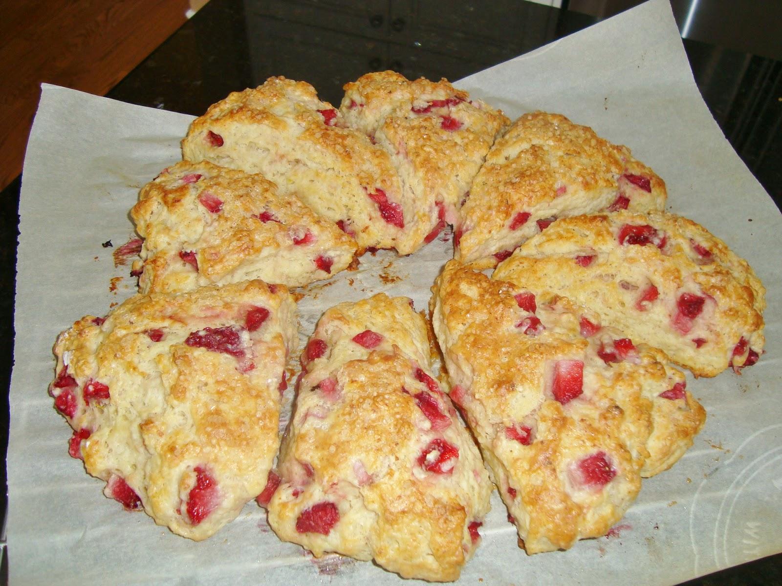 Someone's in the Kitchen: Strawberry Ricotta Scones