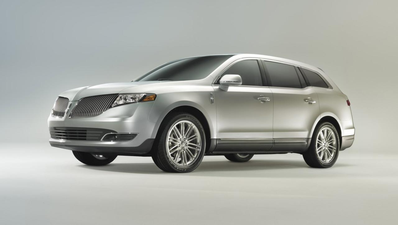 Lincoln+MKT+1.jpg