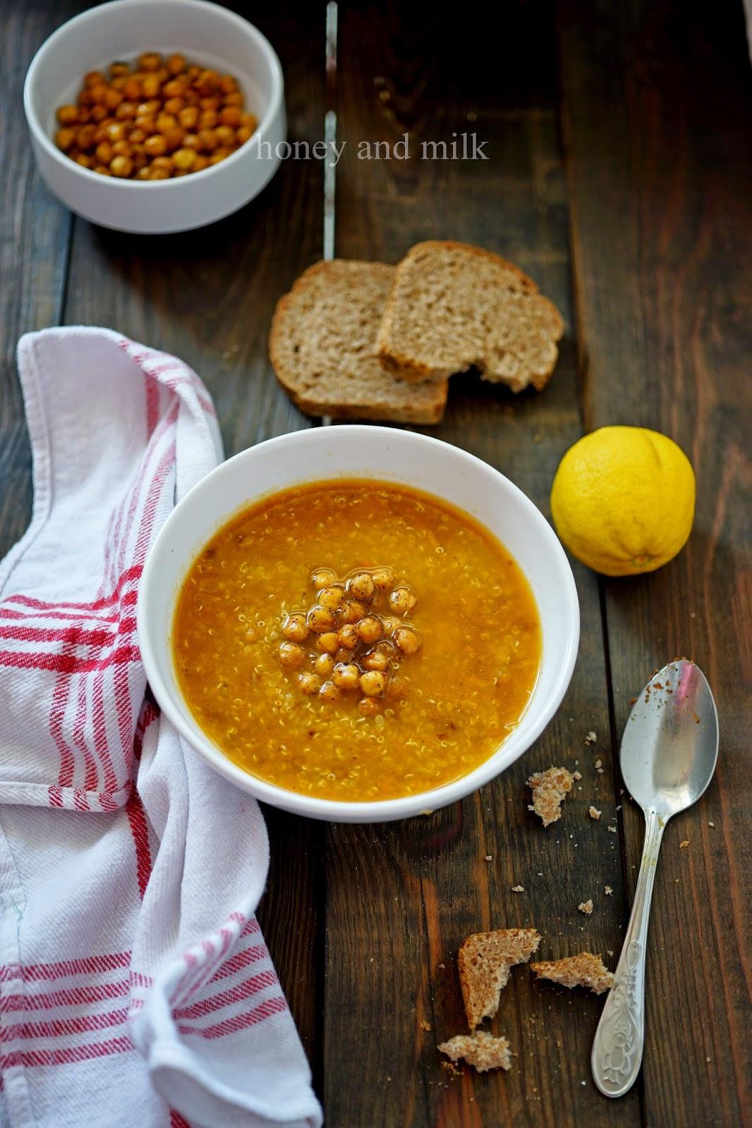 Морковена супа с киноа и хрупкав нахут