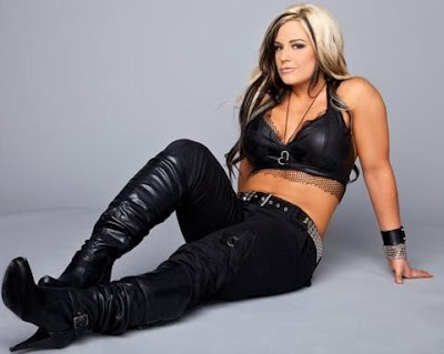 Diva Kaitlyn Wallpaper