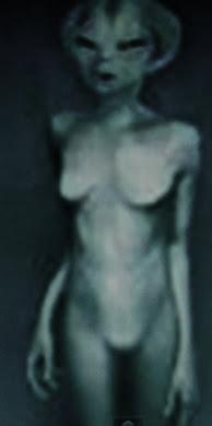 alien,mujer,gris.