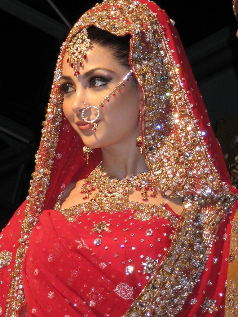 omegaart pengantin wanita india dengan tampilan anggun