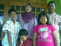 Keluarga besar Pak Chabib Junaedi