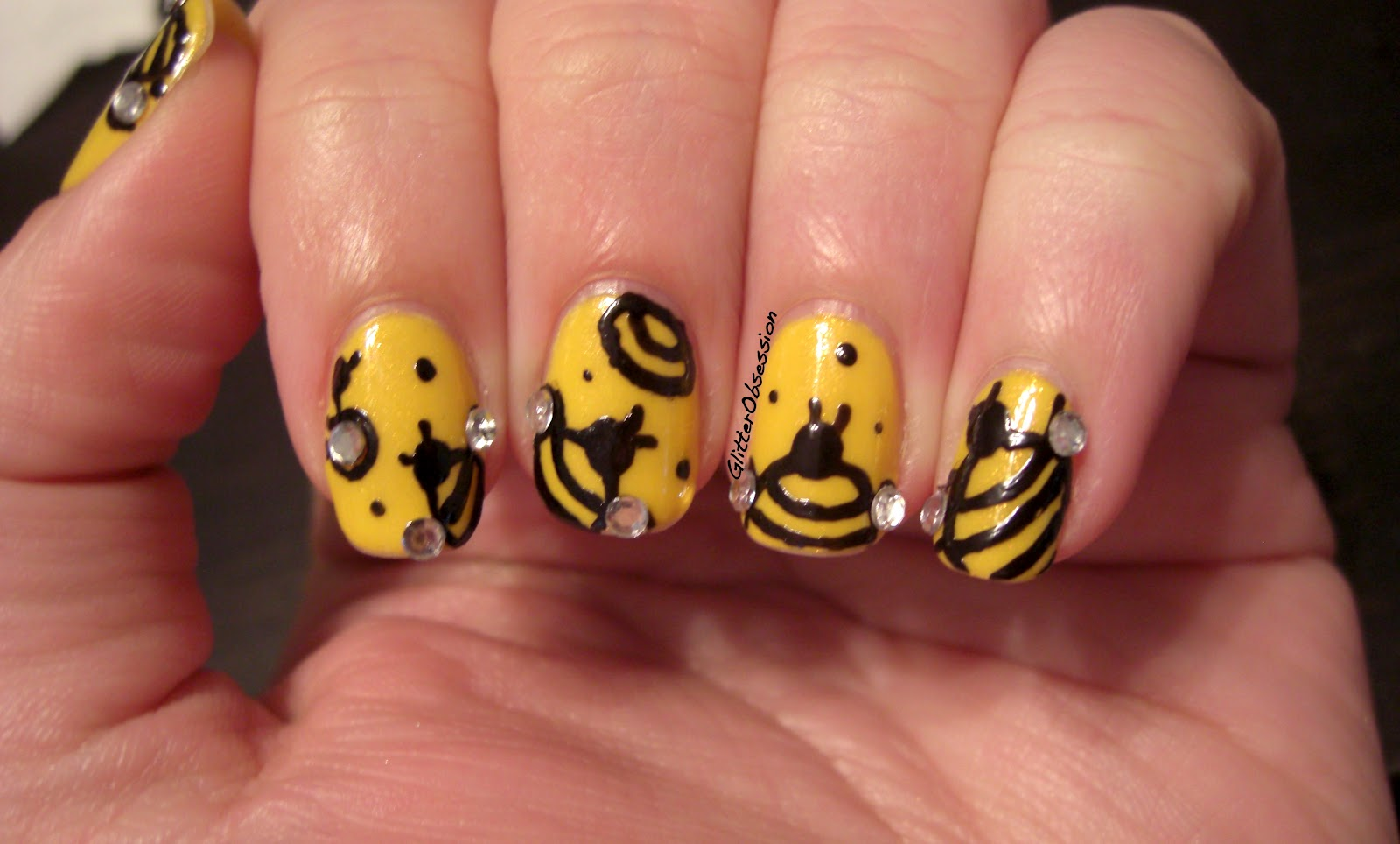 Glitter obsession march 2012 nail art bumble bees honey bees honey bee nail art bumble bee prinsesfo Image collections