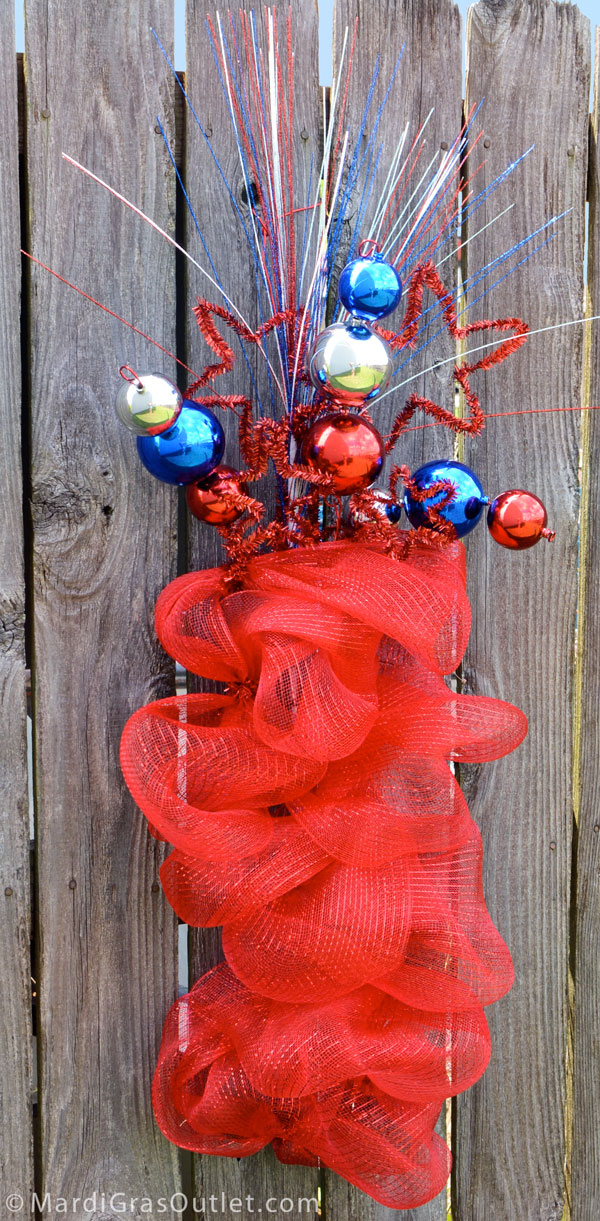 Patriotic Fire Cracker Deco Mesh Wreath | Red, White, and Blue- Tutorial by MardiGrasOutlet.com