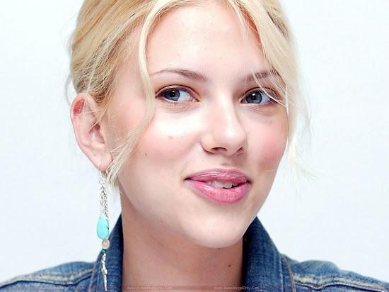 Scarlett_Johansson_natural_hot_lips