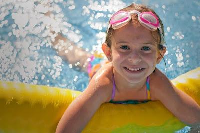 Aktiviti berenang sangat baik untuk fizikal kanak-kanak