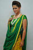 Shilpa chakravarthy sizzling photos-thumbnail-12
