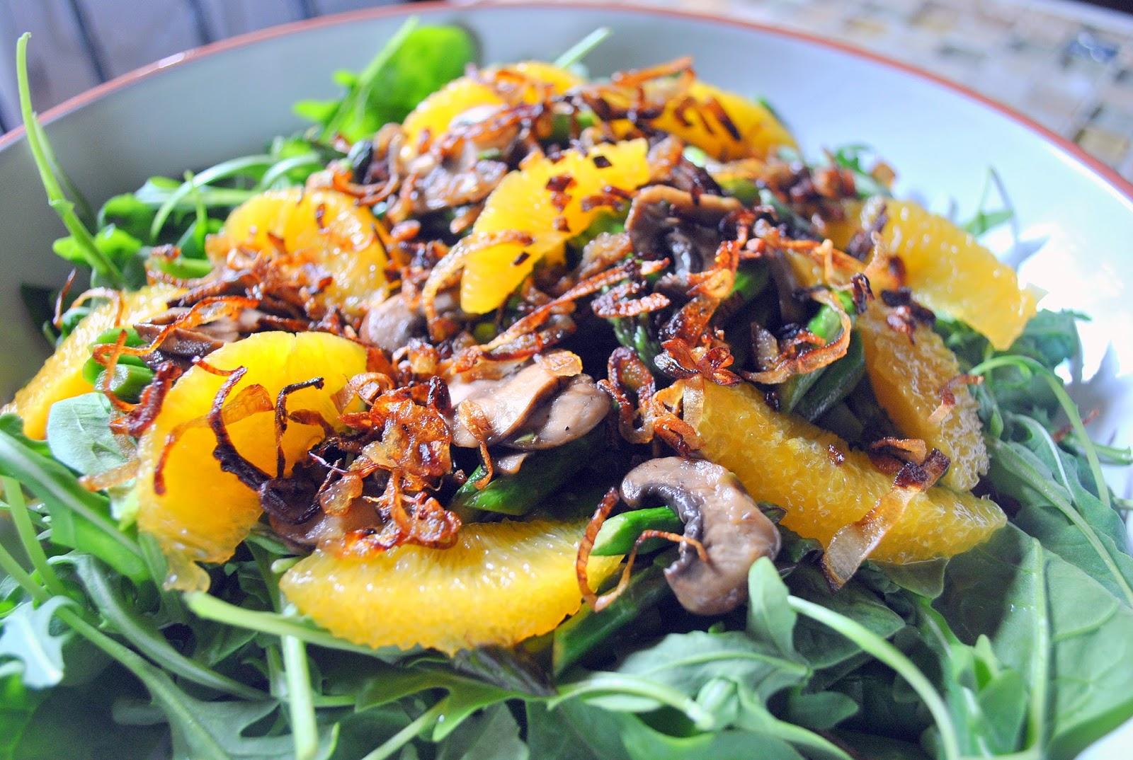 Orange and Arugula Salad with Red Onion and Gorgonzola recipes