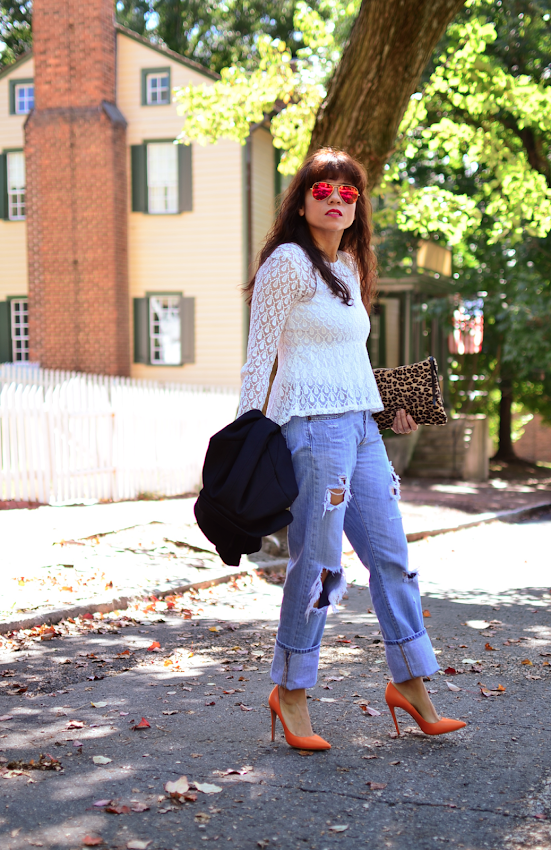 How to dress up ripped jeans