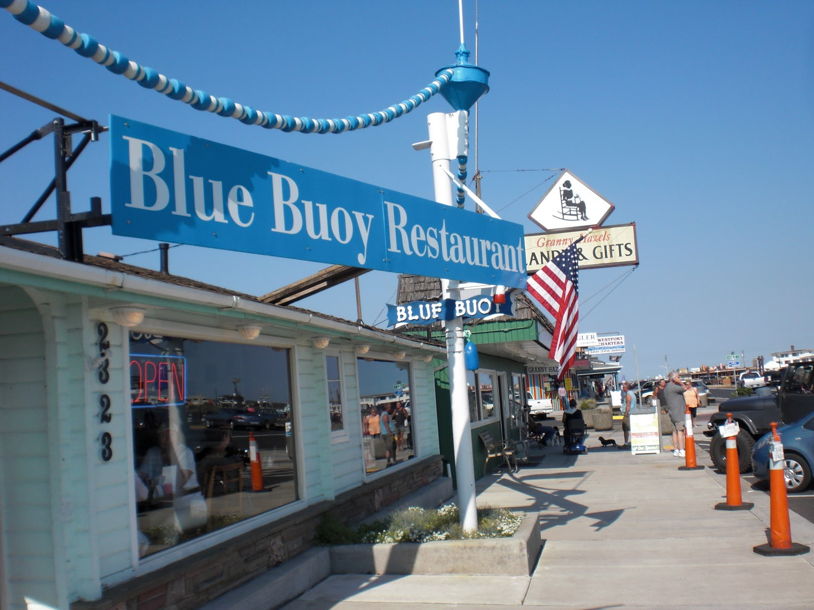 Review adventures blue buoy restaurant westport washington for The westport