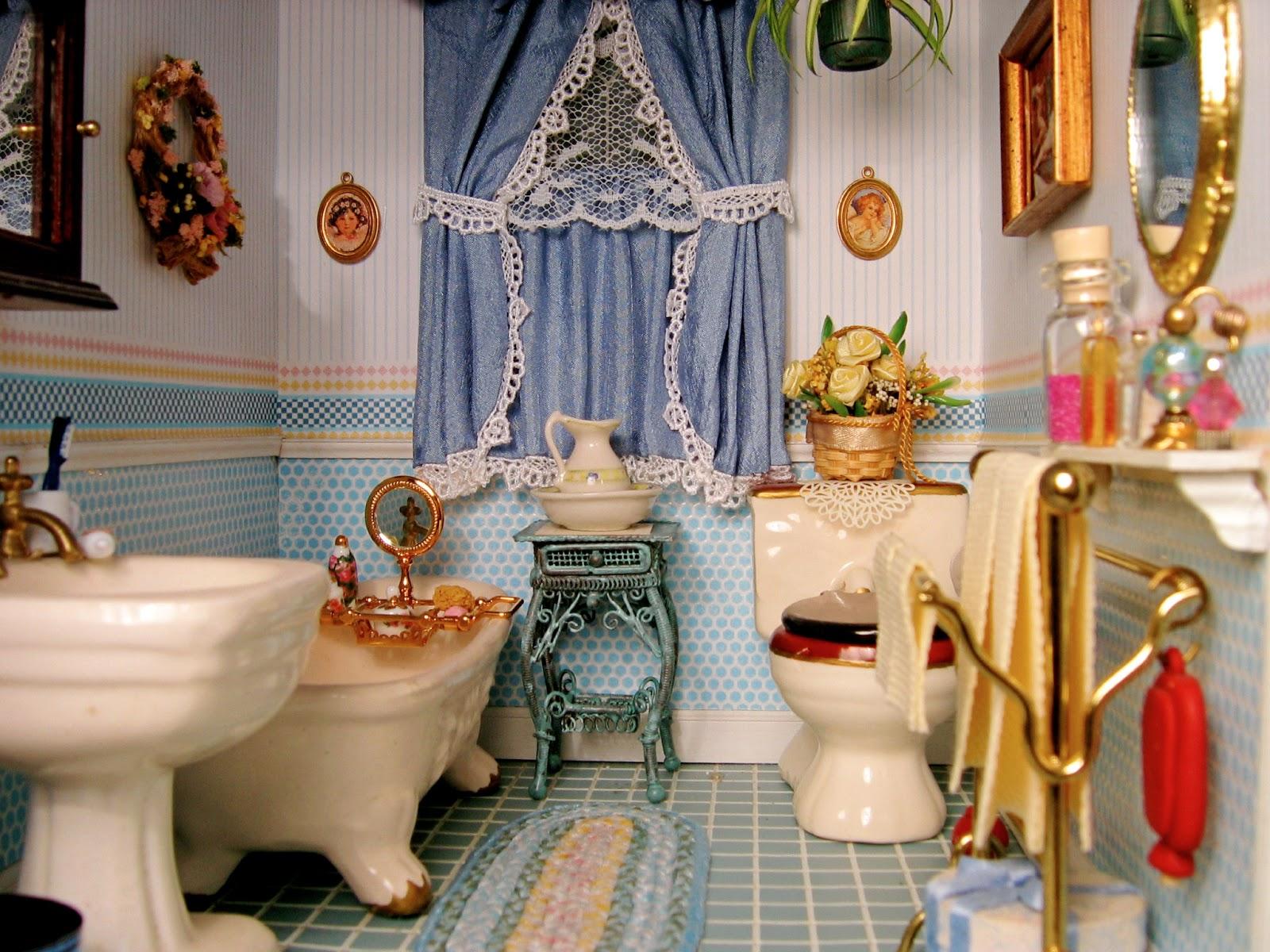 BluKatKraft Victorian Dollhouse Bedroom And Bathroom 112 Scale