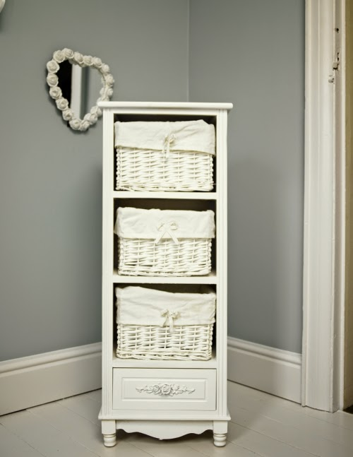 Wicker Basket Storage Enabling Good and Right in the Living Room