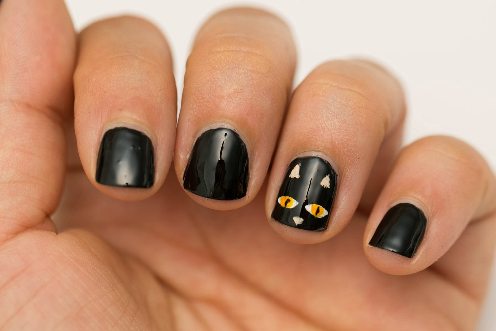 Beauty by arielle quick and easy halloween nail art for Easy at home nail designs for short nails