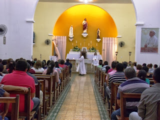 Imagens da Missa em honra a Nossa Senhora Aparecida