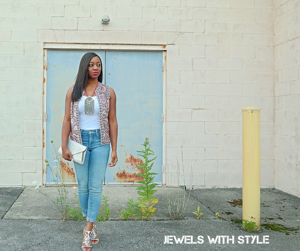 thrit store shopping tips, consignment store shopping tips, sequin vest, embelished vest, pendant statement necklace, thrifting tips, shopping on a budget, sequin top, jewels with style, columbus bloggers, black fashion blogger, monica warren