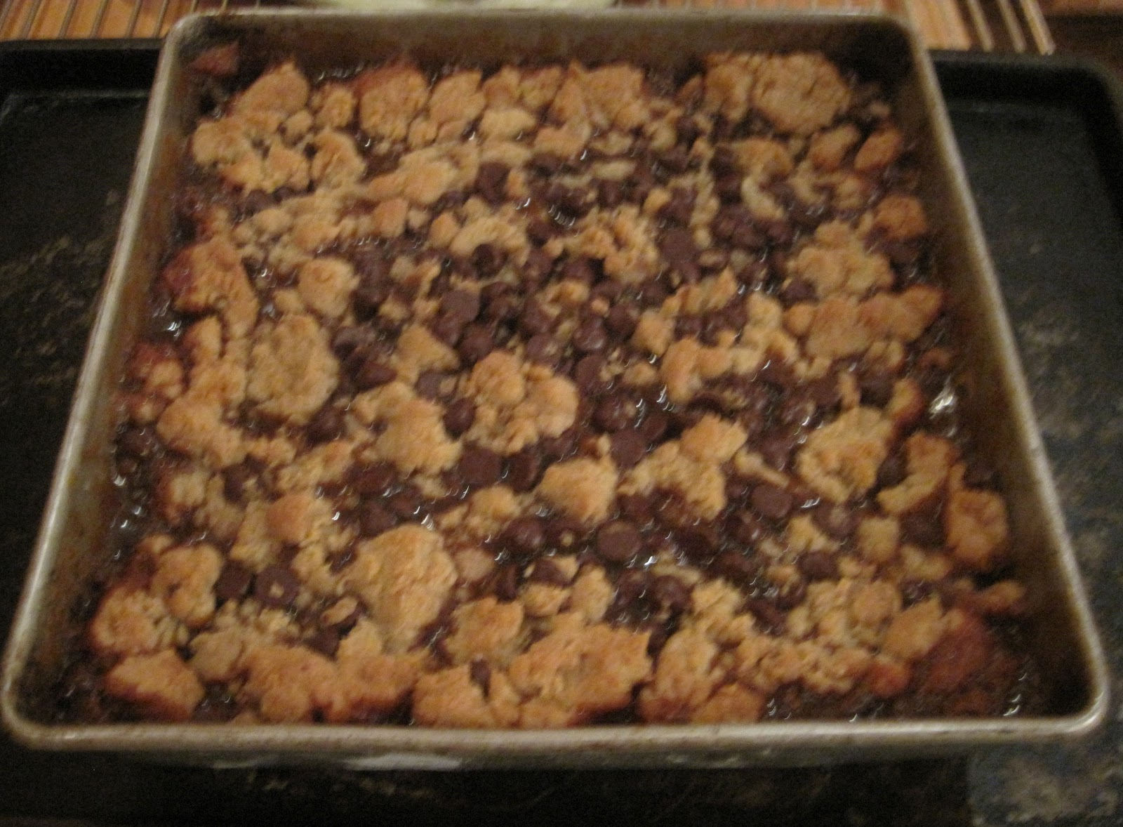 smoores in the kitchen: Salted caramel chocolate chip cookie bar