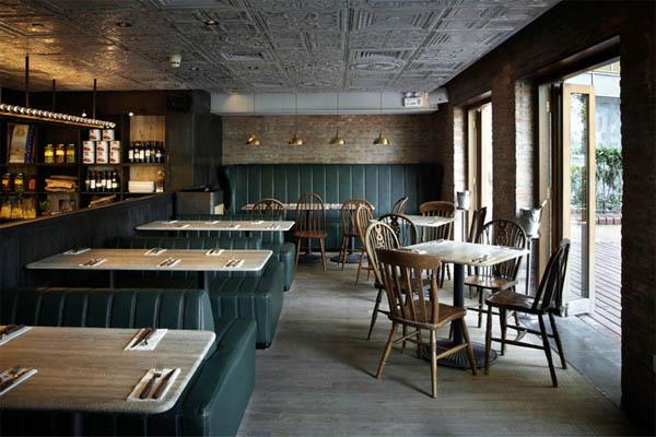 vista del comedor estilo rustico industrial restaurante