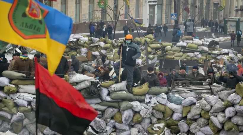 """Ουκρανία: """"Ευνουχίζουν"""" πολιτικά τον Γιανουκόβιτς...Σε έναν χρόνο από τώρα θα του στήνουν άγαλμα!"""