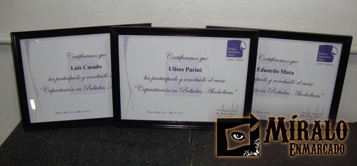 Enmarcado de diplomas, certificados y documentos