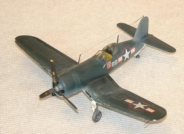 F4U Corsair model kit