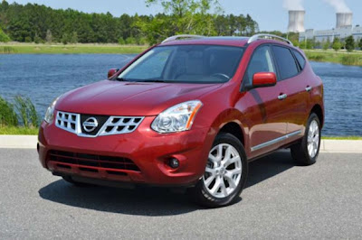 Car-Review-Nissan-Rogue-SL-2011-front-angle