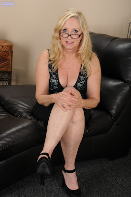 archive of old women .com: Annabelle Brady