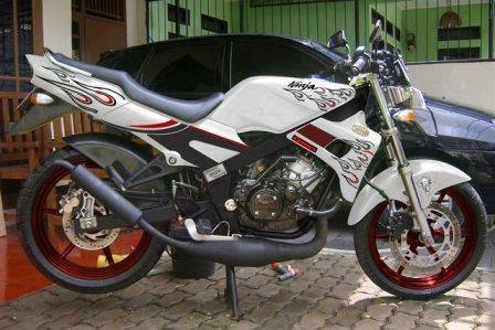 Top Modifikasi Kawasaki Ninja 150 RR 2013