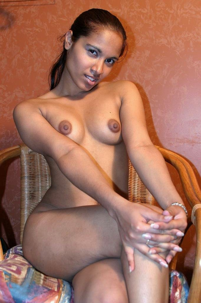Dominicana Girl Nude