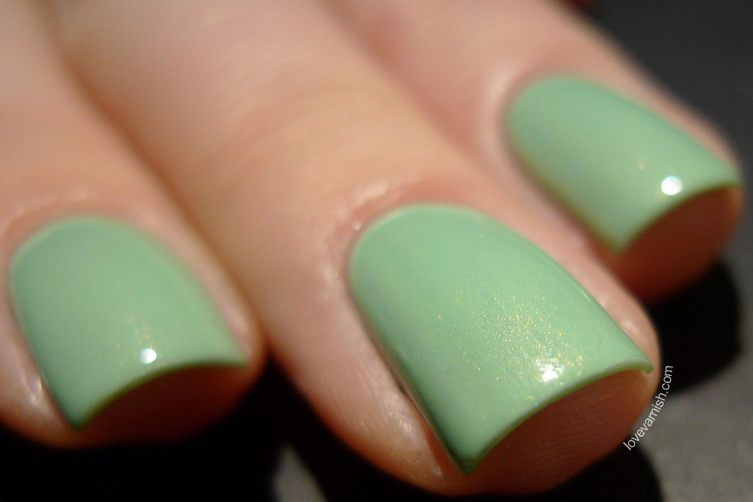 H&M Mint2Be mint nail polish golden shimmer