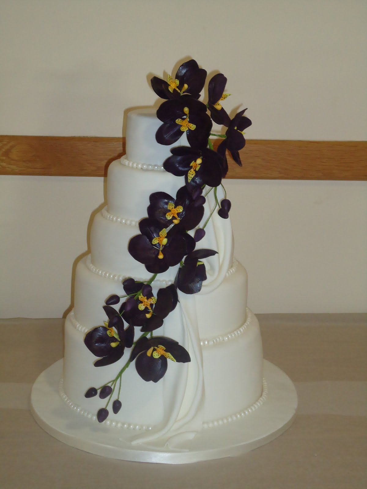 The Lavender Cakes Orchid wedding cake