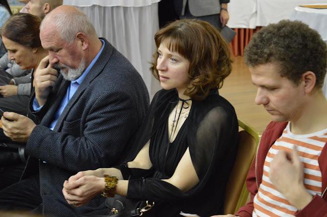 Живописец Ирина Винниченко представила на аукцион три большие работы с самой высокой стартовой оценкой.