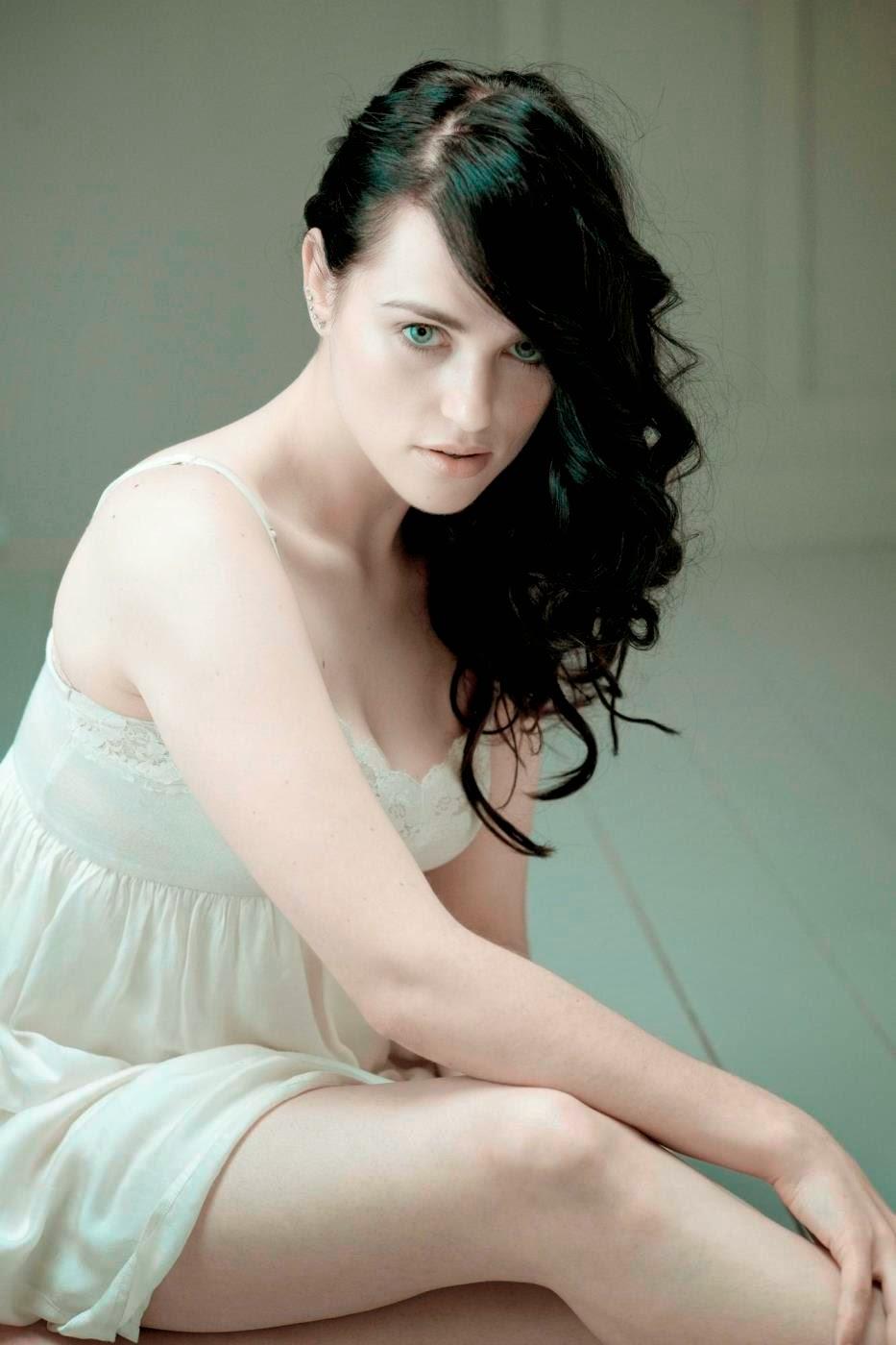 Katie Mcgrath Hot Pictures Galleries - SHINER PHOTOS