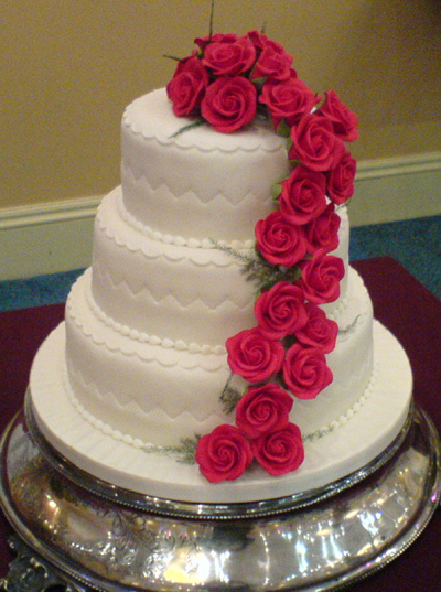 Cake Decorations Pink Roses : Wedding Cake Designs: Wedding Cake with Roses Decoration