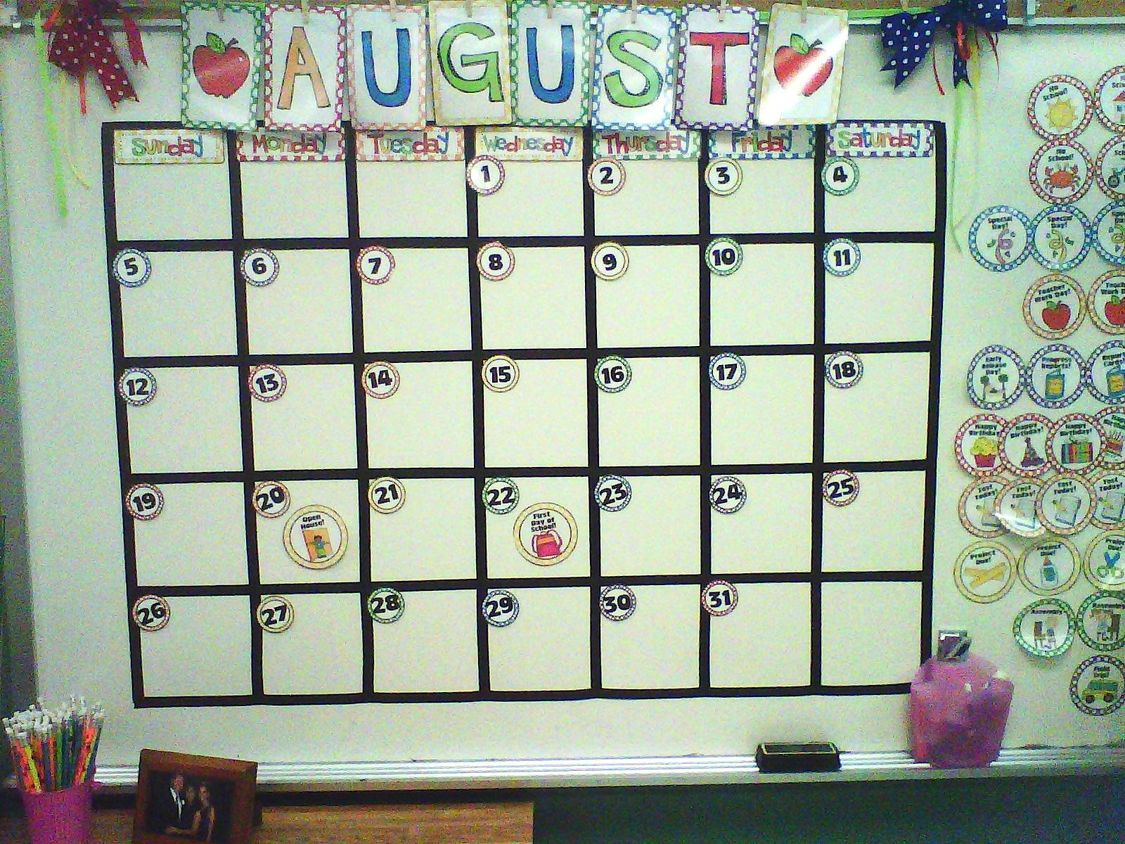 Calendar Design For Classroom : Little lovely leaders it s coming along
