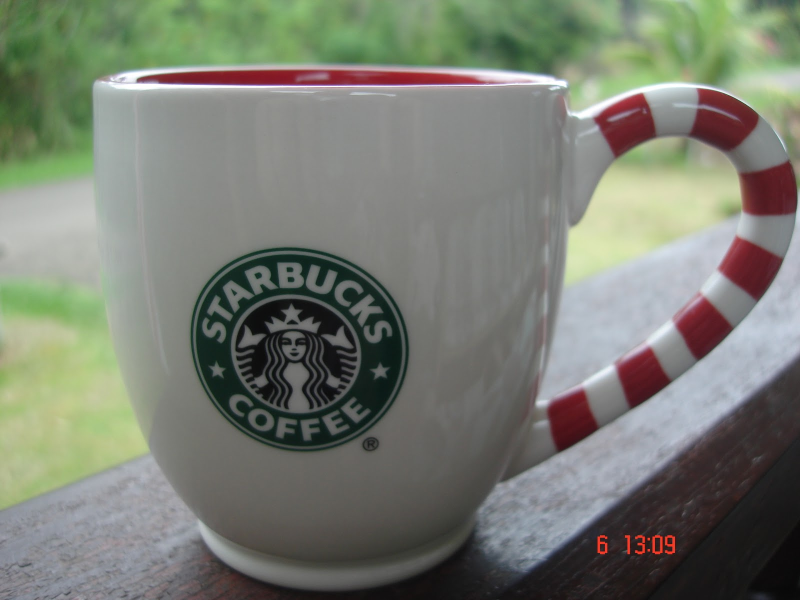 A Cup A Day: 2010 Starbucks Christmas Holiday Candy Cane Mug