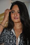 Anushka latest glamorous photos-thumbnail-20
