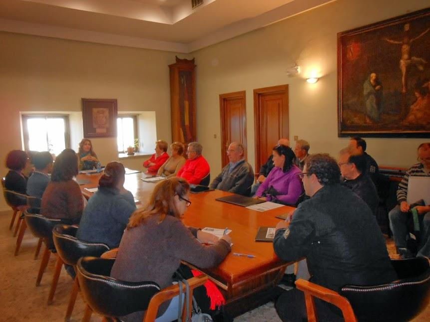 representantes de colectivos reunidos para la cabalgata de reyes