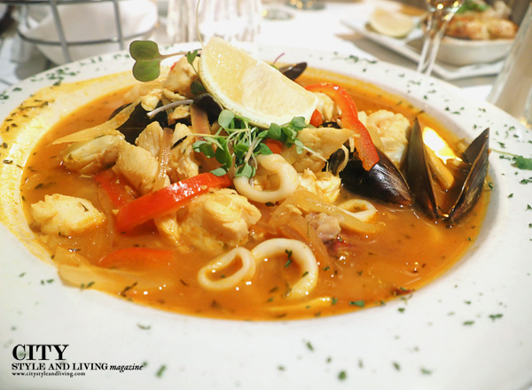 city style and living magazine thoroughbreds bouillabaisse myrtle beach