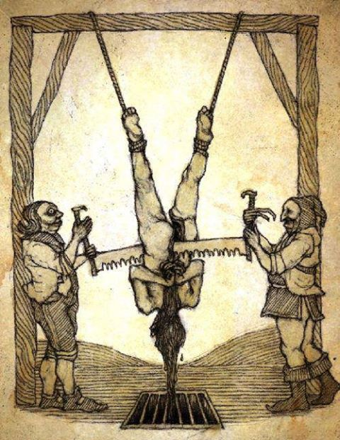 fotografias de instrumentos de tortura: