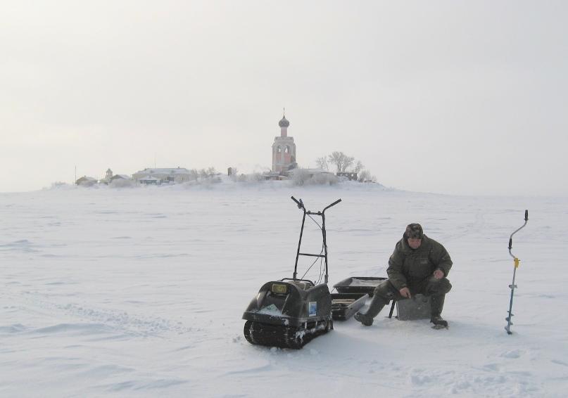 Зимняя рыбалка на Кубенском озере. Спасо-Каменный монастырь зимой