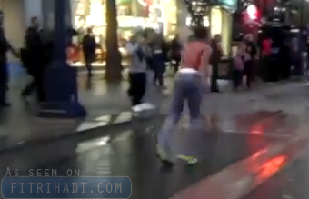 video berlari ke belakang
