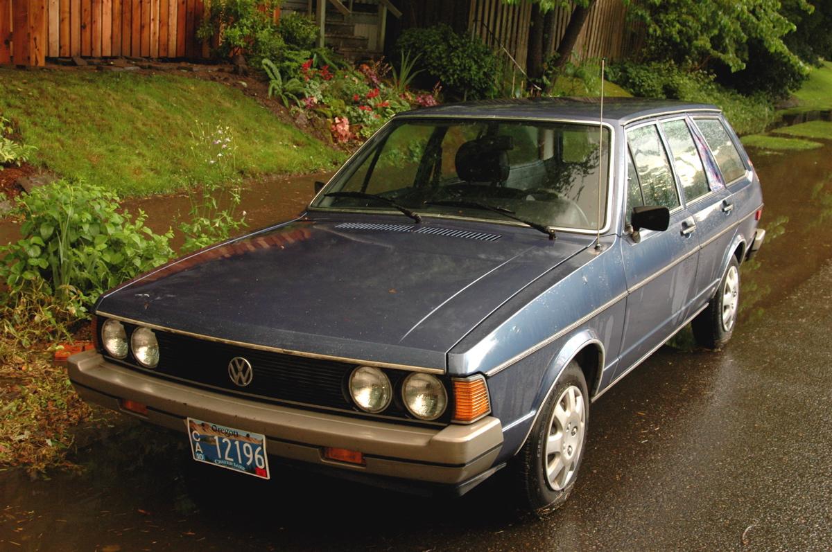 old parked cars engine out engine in 1980 volkswagen dasher diesel wagon. Black Bedroom Furniture Sets. Home Design Ideas