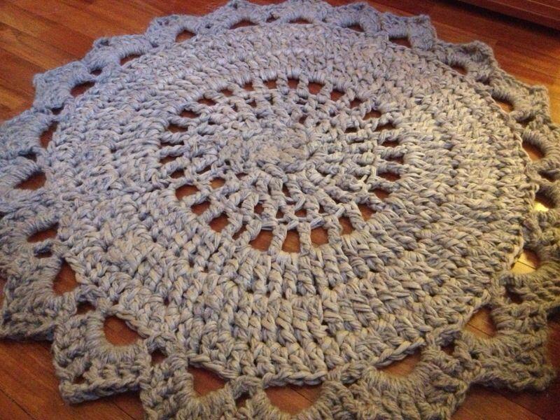 Alfombra a crochet de trapillo y alpaca juntitoscrafts - Puntos crochet trapillo ...